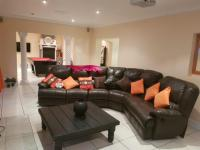 Lounges of property in Amsterdamhoek
