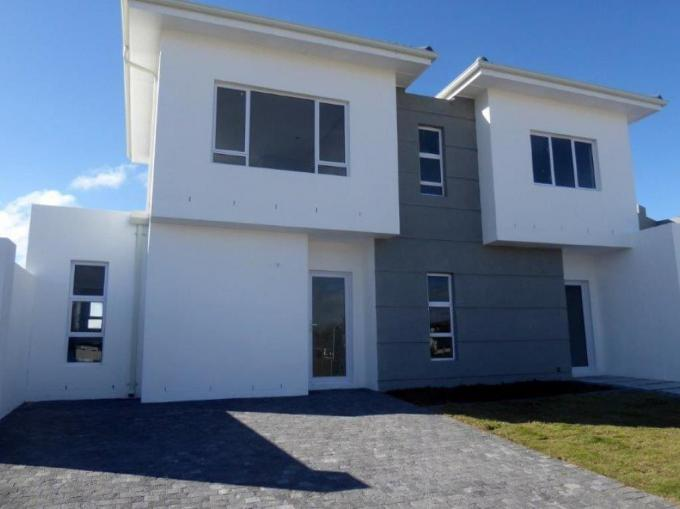 5 Bedroom House for Sale For Sale in The Sandown - MR321818