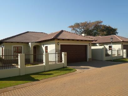 3 Bedroom Simplex for Sale For Sale in Equestria - Home Sell - MR32265