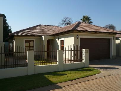 3 Bedroom Simplex for Sale For Sale in Equestria - Home Sell - MR32267