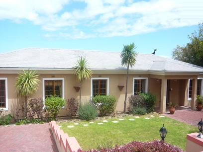 4 Bedroom House for Sale For Sale in Somerset West - Home Sell - MR32288