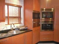 Kitchen - 25 square meters of property in Alberton