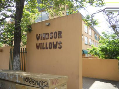 Standard Bank Repossessed 1 Bedroom Apartment on online auction in Windsor - MR32478