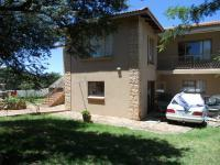 4 Bedroom 2 Bathroom in Vaal Oewer