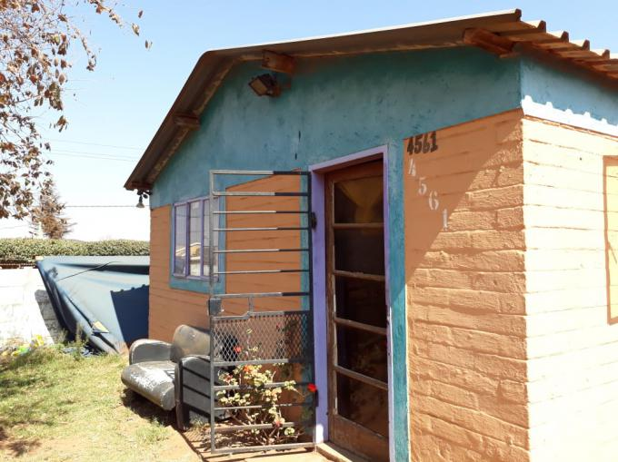 2 Bedroom House For Sale For Sale In Tshepisong Mr325534
