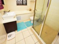 Bathroom 1 - 7 square meters of property in Summerset