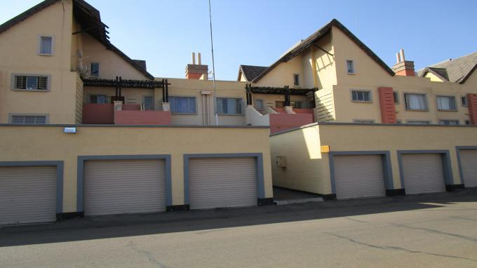 3 Bedroom Sectional Title for Sale and to Rent For Sale in Clubview - Home Sell - MR326689
