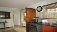 Kitchen - 11 square meters of property in Annlin