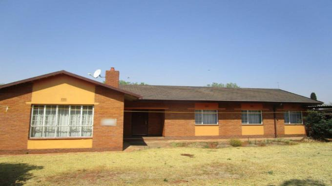 FNB Quick Sell 3 Bedroom House for Sale in Hillshaven - MR331692