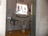 Bathroom 1 - 4 square meters of property in Klipspruit West