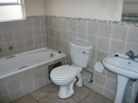 Bathroom 1 - 5 square meters of property in Buccleuch