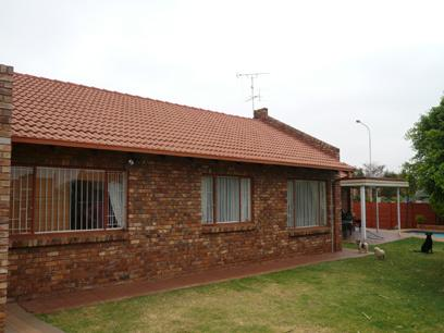3 Bedroom House for Sale For Sale in Pierre van Ryneveld - Private Sale - MR33271