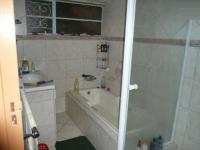 Main Bathroom - 9 square meters of property in Valhalla