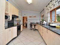 Kitchen - 32 square meters of property in Bryanston