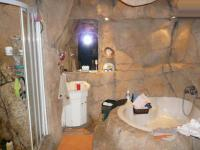 Main Bathroom - 9 square meters of property in Moreletapark
