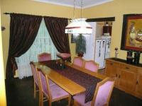 Dining Room - 13 square meters of property in Valhalla