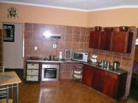 Kitchen - 22 square meters of property in Valhalla