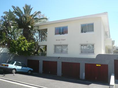 2 Bedroom Apartment For Sale in Sea Point - Private Sale - MR33400