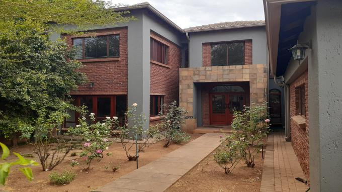Standard Bank EasySell 5 Bedroom Cluster for Sale in Silver Lakes Golf Estate - MR334205