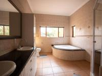 Bathroom 1 - 16 square meters of property in Silver Lakes Golf Estate