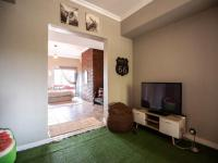 Entertainment of property in Silver Lakes Golf Estate