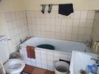 Bathroom 2 - 11 square meters of property in Benoni