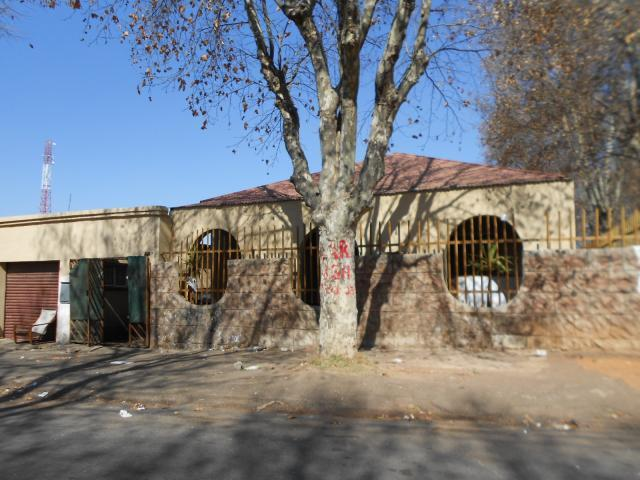 Standard Bank Repossessed 2 Bedroom House for Sale on online auction in Newlands - JHB - MR33473