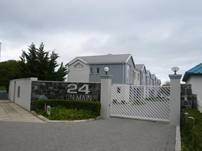 Standard Bank Repossessed 3 Bedroom Apartment for Sale For Sale in Hermanus - MR33475