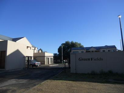 Standard Bank Repossessed 2 Bedroom Simplex on online auction in Moorreesburg - MR33480