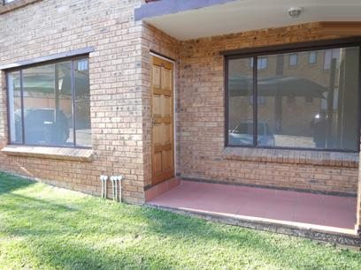 Standard Bank EasySell 2 Bedroom Simplex for Sale For Sale in Meredale - MR33483