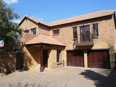 4 Bedroom House for Sale For Sale in Die Wilgers - Private Sale - MR33503