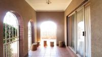 Patio - 9 square meters of property in Ennerdale