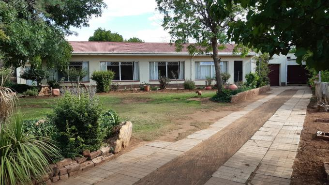 FNB Quick Sell 4 Bedroom House for Sale in Burgersdorp - MR337069
