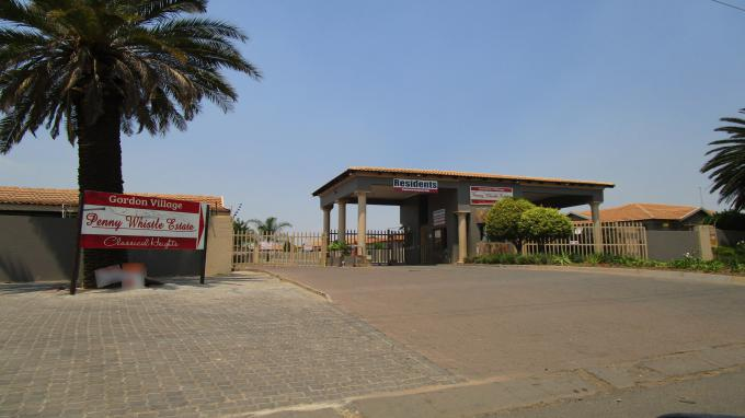FNB Quick Sell 2 Bedroom Sectional Title for Sale in Hoeveldpark - MR337265