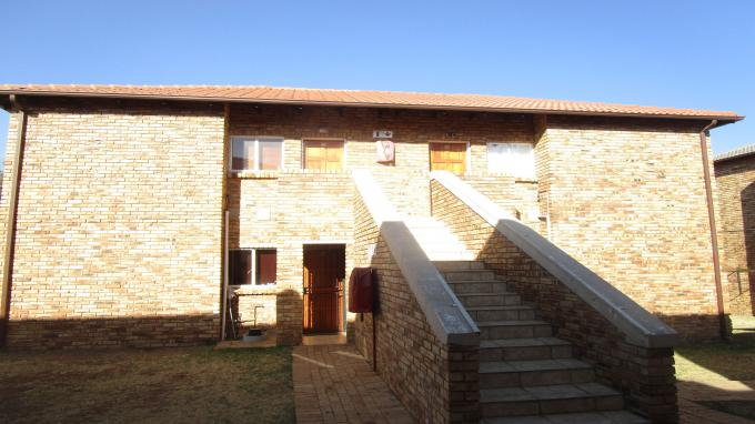 FNB Quick Sell 2 Bedroom Sectional Title for Sale in Elandspark - MR337274