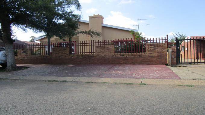 Standard Bank EasySell 4 Bedroom House for Sale in Eersterust - MR337282