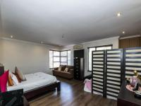 Main Bedroom - 29 square meters of property in Bassonia