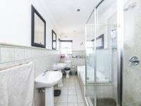 Main Bathroom - 9 square meters of property in Bassonia