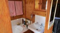 Bathroom 3+ - 4 square meters of property in Wilropark