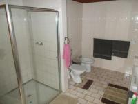 Main Bathroom - 12 square meters of property in Casey Park