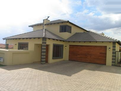 4 Bedroom Duet For Sale in Thatchfields - Home Sell - MR34107