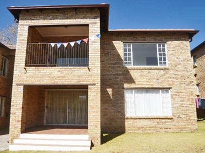 2 Bedroom Simplex for Sale For Sale in Midrand - Private Sale - MR34263