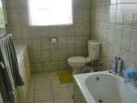 Main Bathroom - 6 square meters of property in Windsor