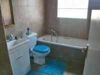 Bathroom 1 - 7 square meters of property in Vorna Valley