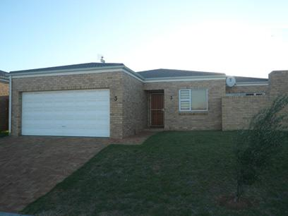 3 Bedroom Simplex for Sale For Sale in Brackenfell - Private Sale - MR34331