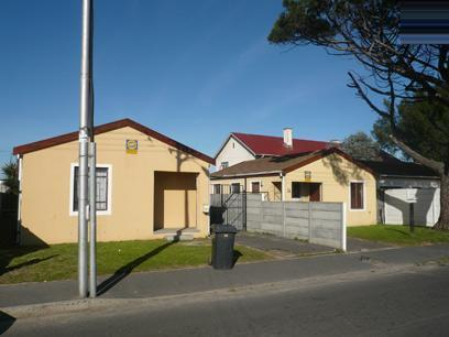 3 Bedroom House for Sale For Sale in Athlone - CPT - Private Sale - MR34364