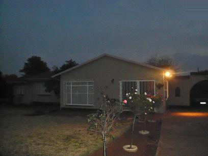 4 Bedroom House For Sale in Witpoortjie - Home Sell - MR34367