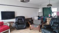 Lounges - 82 square meters of property in Veld En Vlei