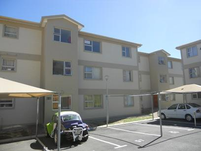 Standard Bank Repossessed 2 Bedroom House for Sale For Sale in Gordons Bay - MR34457