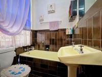Main Bathroom - 3 square meters of property in Randgate